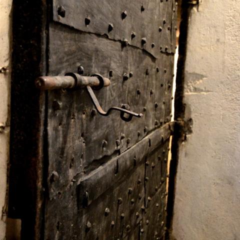 porte ancienne verrou