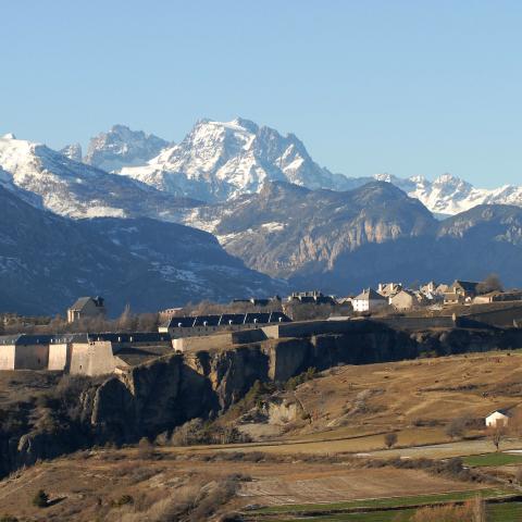 Mont-Dauphin et le massif des Ecrins - Crédit photo Bertrand BODIN