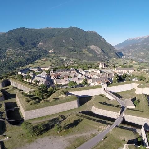 Les fortifications de Mont-Dauphin vues du ciel
