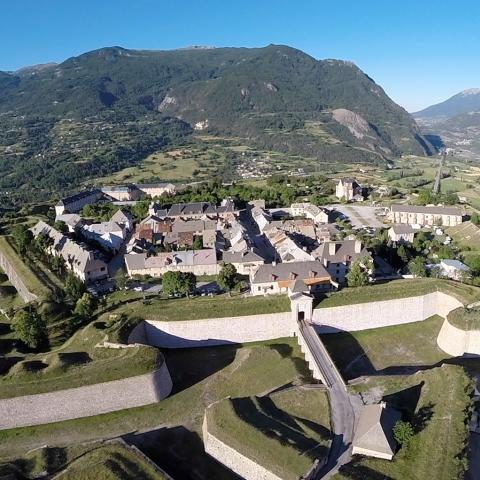 Mont-Dauphin, place forte Vauban vu du ciel